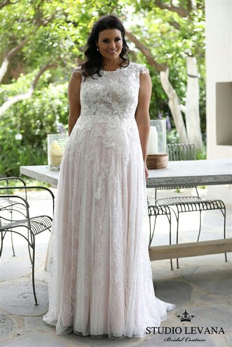 Best 25  Plus size wedding ideas on Pinterest   Plus