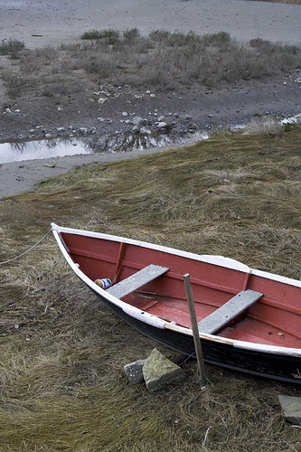 red boat / low tide