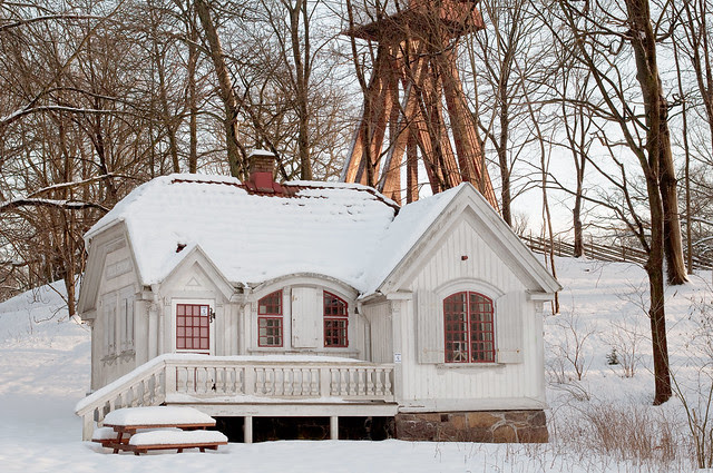 The little house in the park
