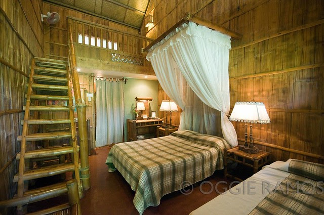 Villa Escudero Longhouse Room