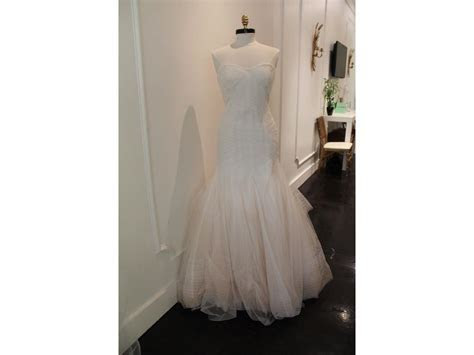 Monique Lhuillier BL15204, $500 Size: 10   Sample Wedding