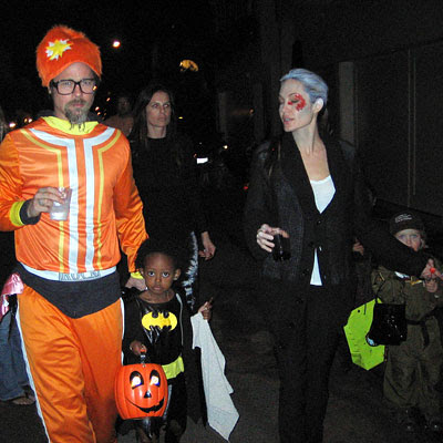 Brad Pitt, Angelina Jolie, Zahara and Shiloh - Halloween 2009