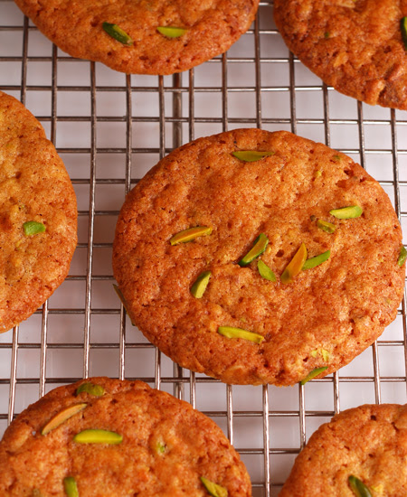 pistachio and white chocolate cookies