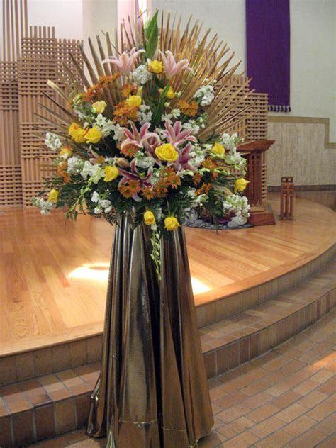 50th Wedding Anniversary Flower Centerpiece Ideas