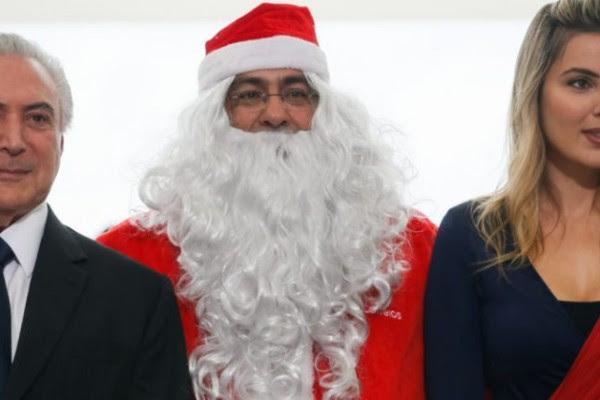 (Brasília, DF 16/12/2016) Presidente Michel Temer e a Primeira-Dama Marcela Temer durante entrega de presentes feita pelo Papai Noel dos Correios. Foto: Beto Barata/PR