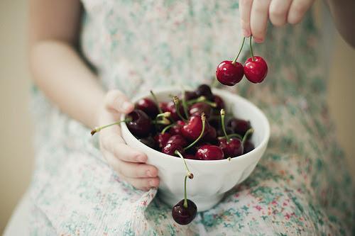 annaharo:  Cherries (by Xaomena)