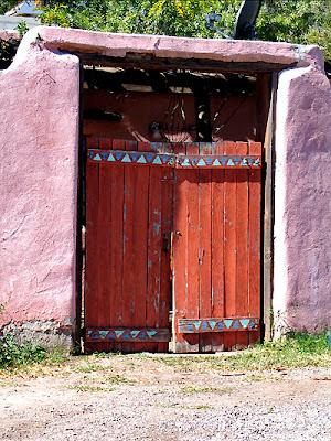 Mesilla Gate - Red