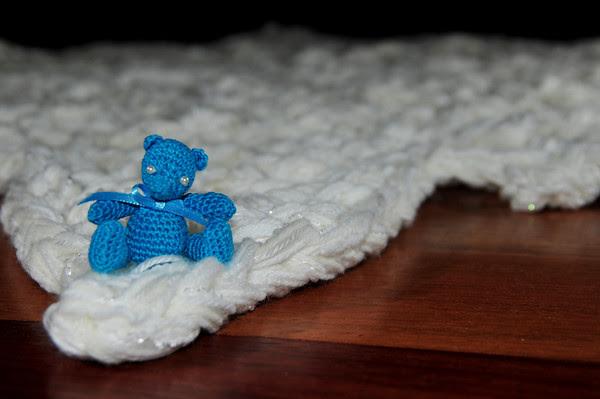 tiny bear, gigantic snowflake