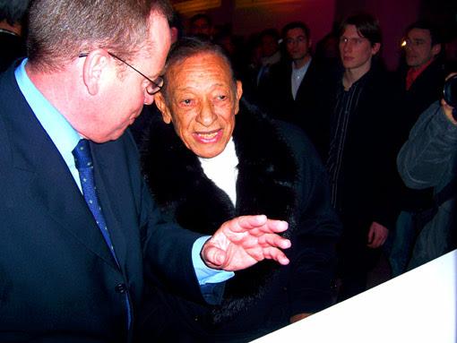 Henri Salvador et Donnedieu de Vabres au lancement du site lestelechargements.com