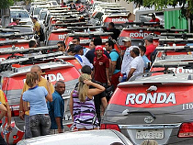 Em 2012, greve da PM paralisou atividades dos servidores da segurança no Ceará (Foto: Arquivo G1)