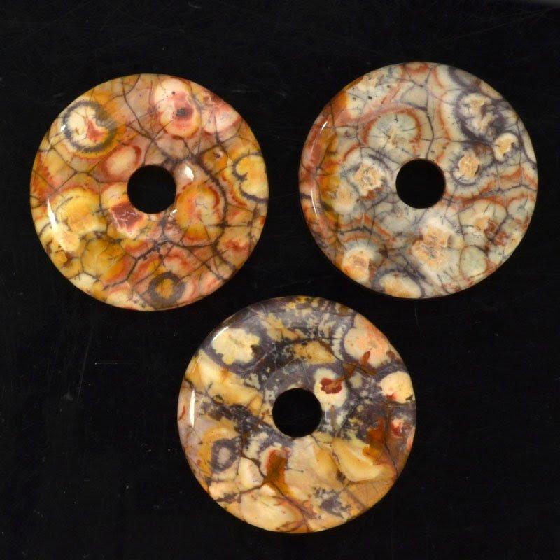 s44035 Stone - 50 mm Donut Pendant - Birdseye Rhyolite (1)