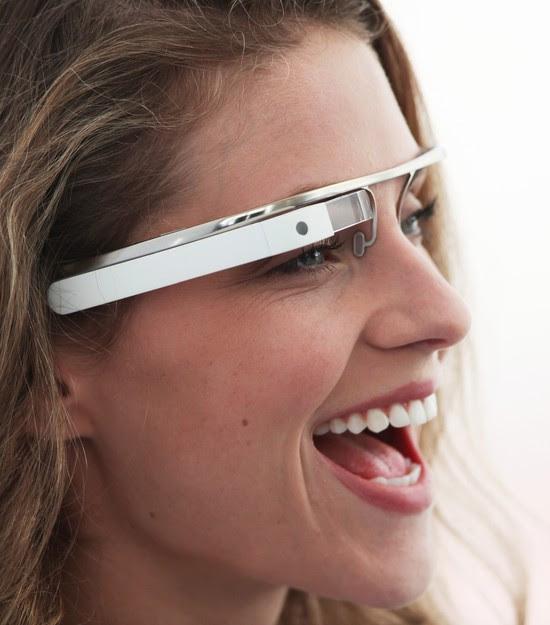 Foto de estudo de design do Glass publicada na página do projeto no Google+