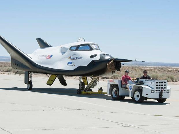 O Dream Chaser, micro-ônibus espacial desenvolvido pela empresa Sierra Nevada (Foto: Ken Ulbrich/Nasa/Reuters)