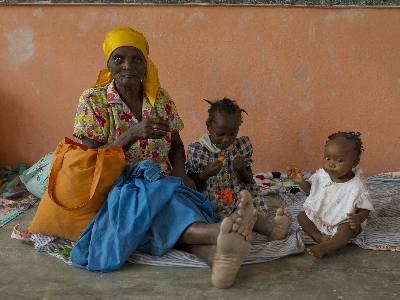 Los menores, sobre todo las niñas más pobres, se convierten muchas veces en víctimas del pervertido sistema restavek. REUTERS