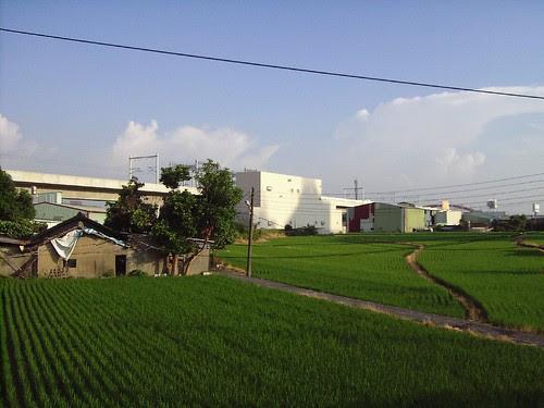 農田與高鐵