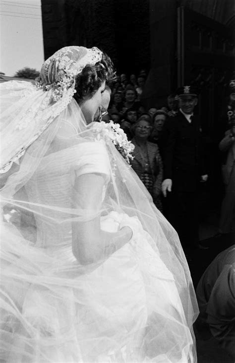 26 Candid Photographs From the Wedding of John F. Kennedy