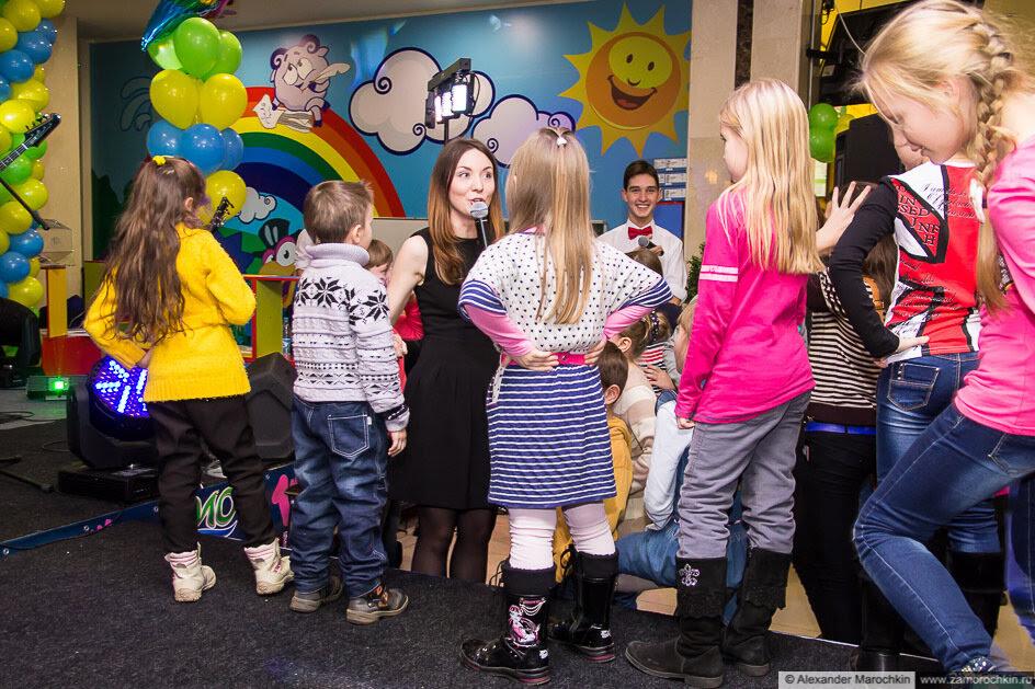 Дети на празднике в ТРЦ РИО