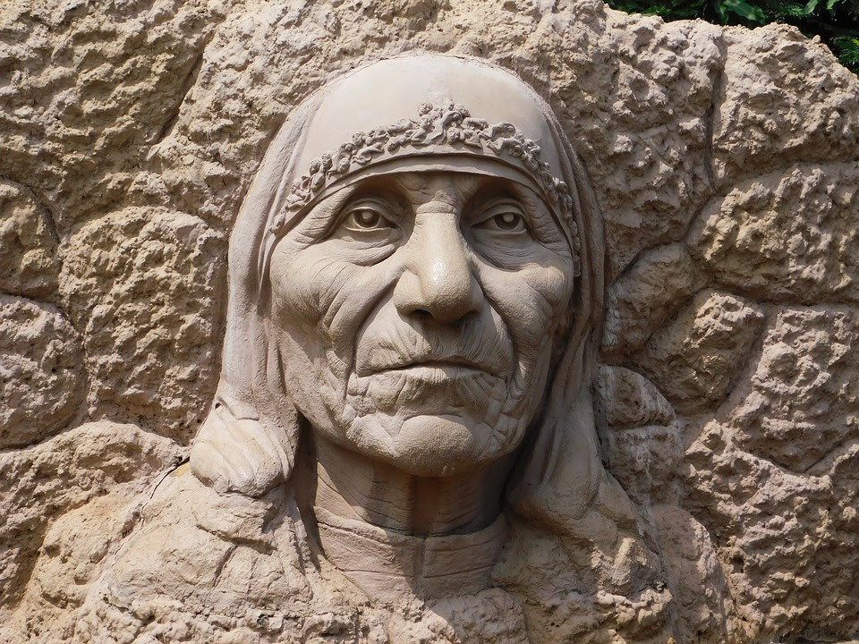 Frases De La Madre Teresa De Calcuta Sobre El Amor La Solidaridad Y