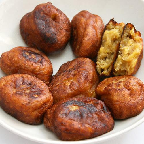 Kuih Kodok or Godok Pisang (Banana Fritters)