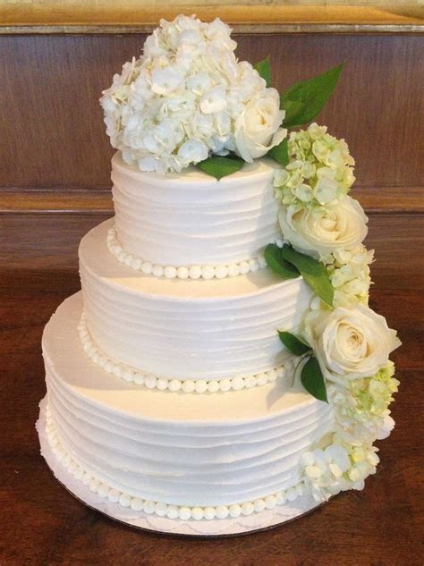 Simple & Elegant Wedding Cake w/ flowers   Irwin/Ungs