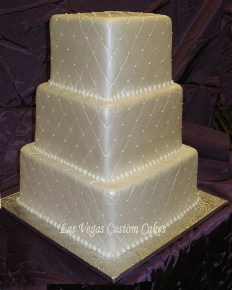 Best 25  Quilted wedding cakes ideas on Pinterest   Navy