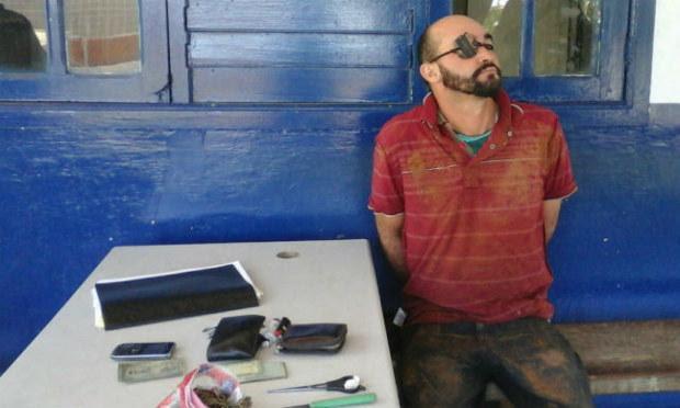 Suspeito foi preso e encaminhado à cadeia de Flores / Foto: Divulgação/Nayn Netto.