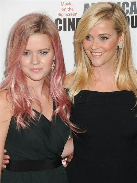 Young Reese Witherspoon 2016 Latest Photos ? WeNeedFun