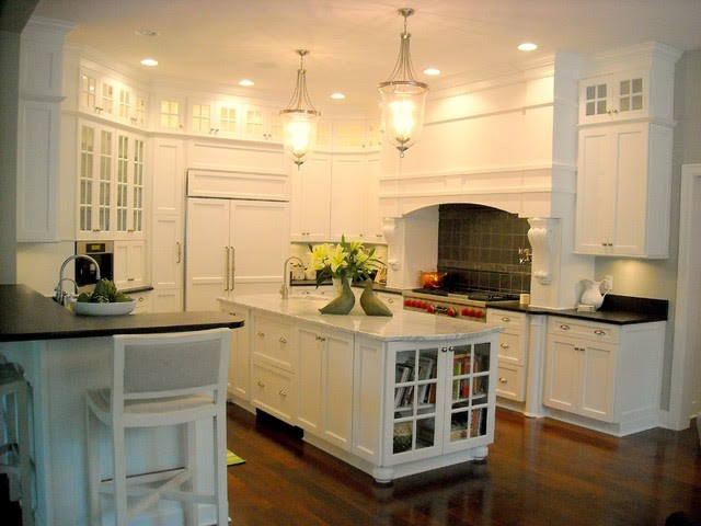 hamptons white kitchen