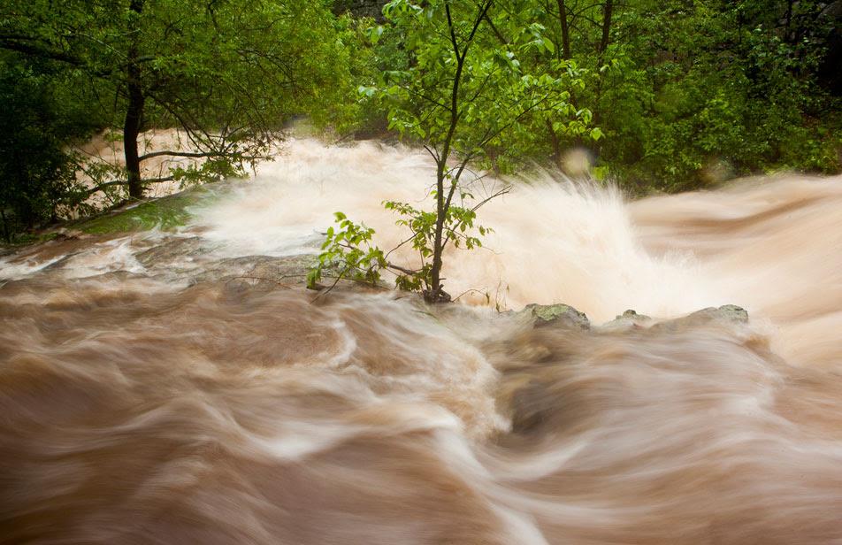 http://minnesota.publicradio.org/display/web/2012/06/20/disaster/duluth-flood-photos/