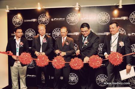 Saifuddin Ahmad,Vincent Lim,Dr Andrea Ambra,John Cho.Graziano Soliani
