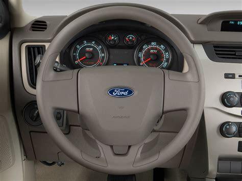 image  ford focus  door sedan  steering wheel size