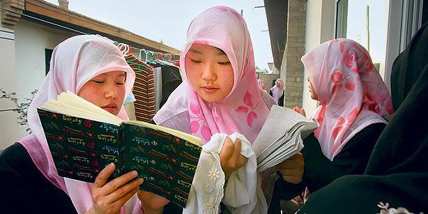 http://muslimvillage.com/wp-content/uploads/2011/12/muslim.jpg