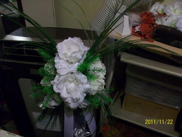 6 Church Pews Black Red Flower GIrl Basket and More wedding black red