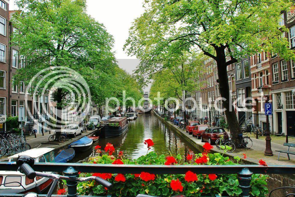 amsterdam photo: Amsterdam 300579_10150329030707536_690377535_8558885_686629612_n.jpg