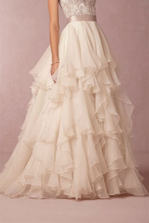 "Click to see how to pull off a ""skirt"" for your wedding"