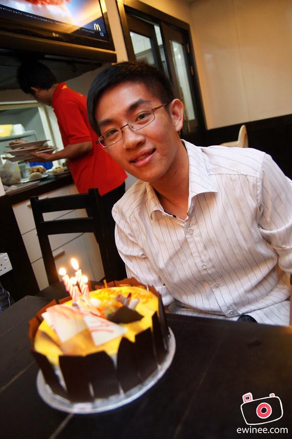 DANIEL-SIM-Birthday-2010-Picadilly-1