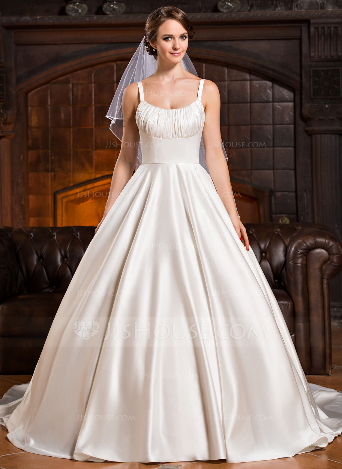 37+ Wedding Dress With Cathedral Train Gif