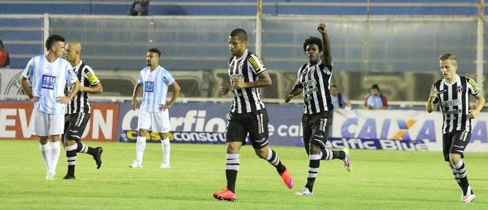 Gol do Ceará Macaé x Ceará - Campeonato Brasileiro Série B (Foto: Tiago Ferreira)