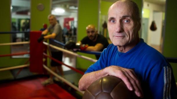 Heinz-Norbert Schäfer - Der Boxlehrer hat 20,5 Jahre im Heim gelebt. Ende des Jahres läuft die Frist aus, in der sich ehemalige Heiminder um Entschädigung bemühen können. Viele wissen gar nicht, dass es den Hilfsfond überhaupt gibt.