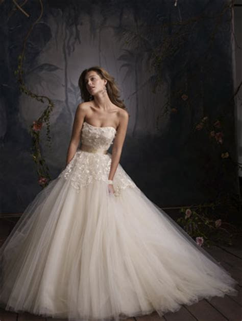 TOUCHING HEARTS: WEDDING DRESSES & DRESSES FOR SPECIAL