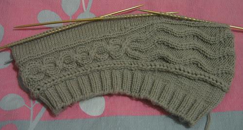 http://craft-craft.net/wp-content/uploads/2012/01/cabled-beret-women-knitting-patterns-craft-craft-729836347548497091.jpg
