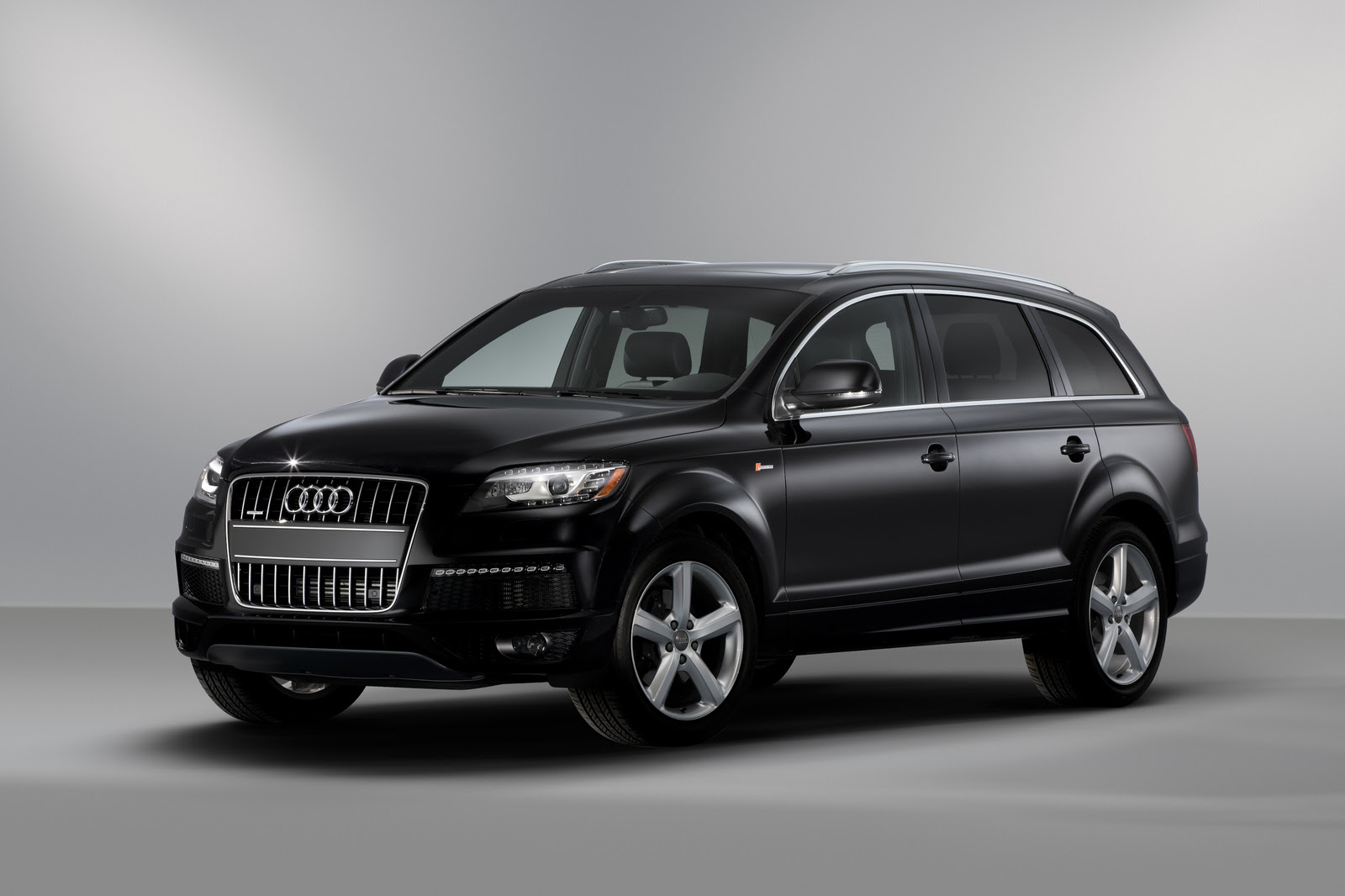Home / Research / Audi / Q7 / 2013