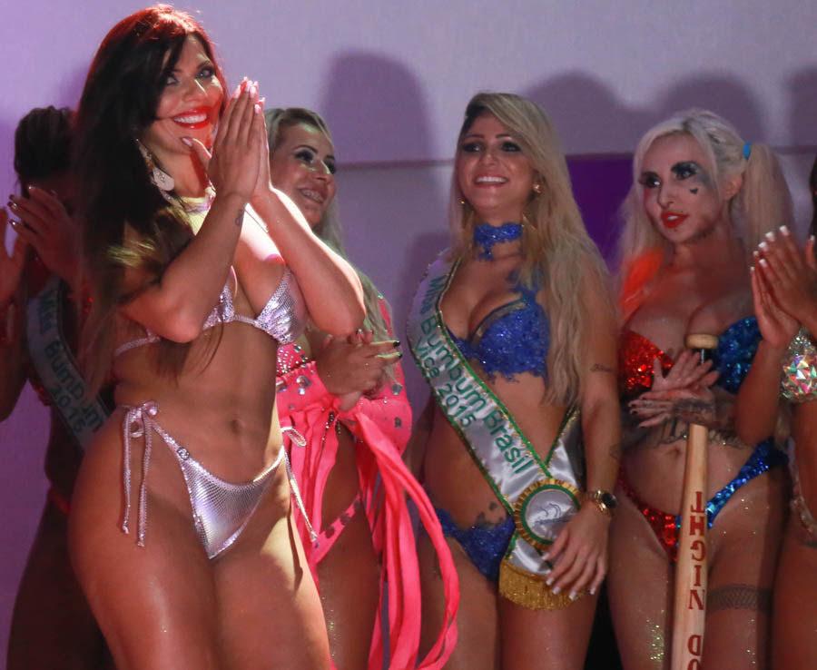 foto-i-video-latinskih-konkursov-bikini-telka-lyubit-drochit