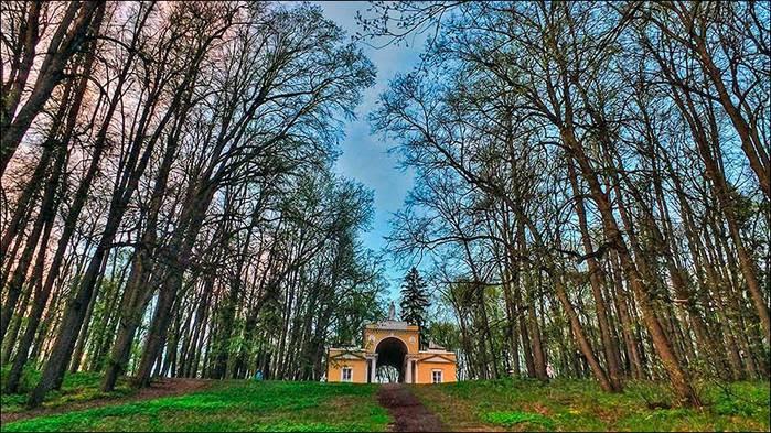 Павильон Миловида в Царицинском парке/3673959_15 (700x393, 109Kb)
