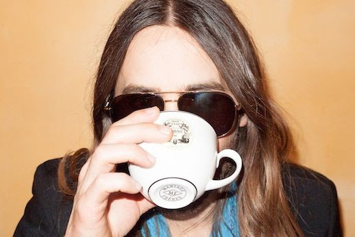 Le Fashion Blog Jared Leto By Terry Richardson Photos Coffee Blue Scarf Aviator Sunglasses  Long Ombre Hair Beard 6 photo Le-Fashion-Blog-Jared-Leto-By-Terry-Richardson-Photos-Coffee-6.jpg