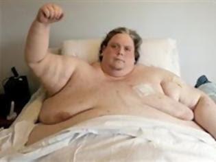 Φωτογραφία για Ζυγίζει 368 κιλά και δίνει μάχη να χάσει βάρος για να ζήσει!