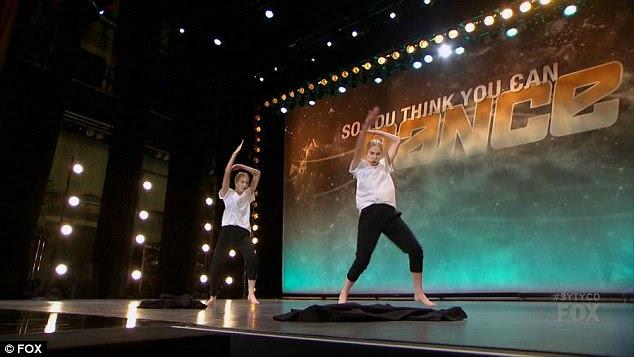 Dança emocional: as irmãs realizaram uma rotina emocional