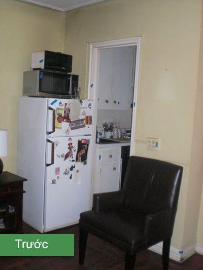 Tủ lạnh, lò vi sóng, lò nướng chồng chất lên nhau giống như trong nhà kho