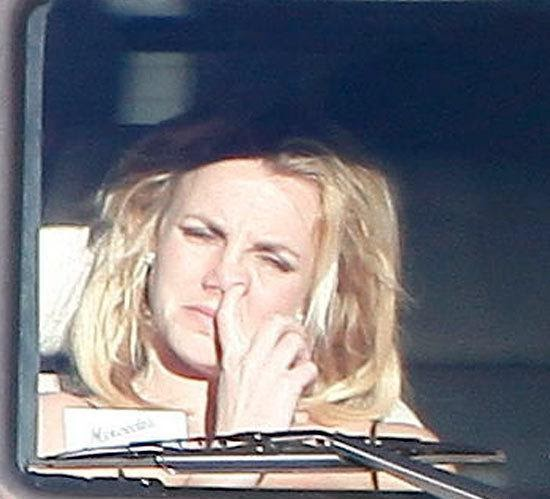 Aisha: Britney Spears Deeply Digging Her Nose In Public