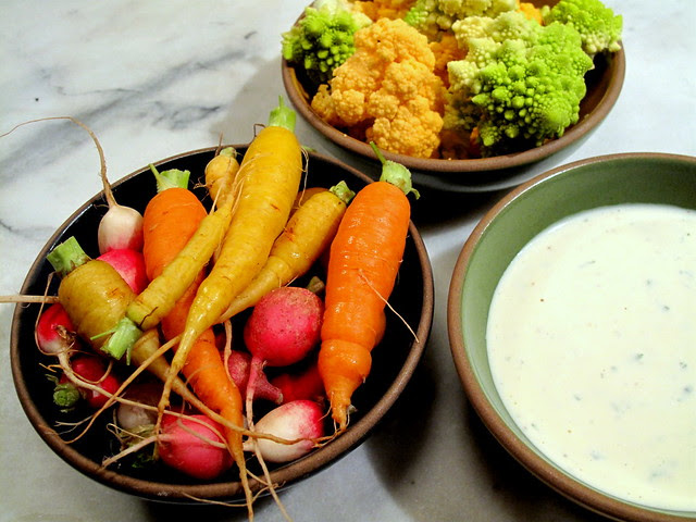 Veg and Buttermilk Basil Dip